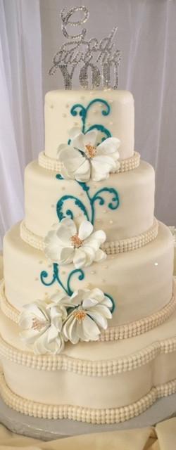 petal wedding cake1.jpg