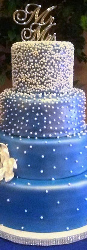 blue%20pearl%20wedding%20cake_edited.jpg