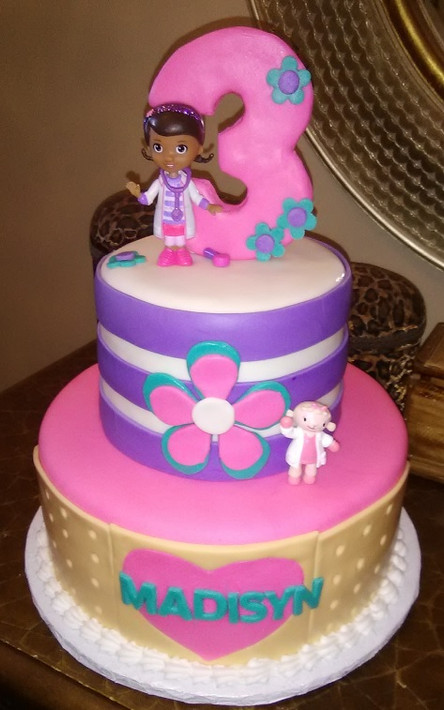 Doc McStuffins cake.jpg