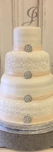 brooch cake.jpg