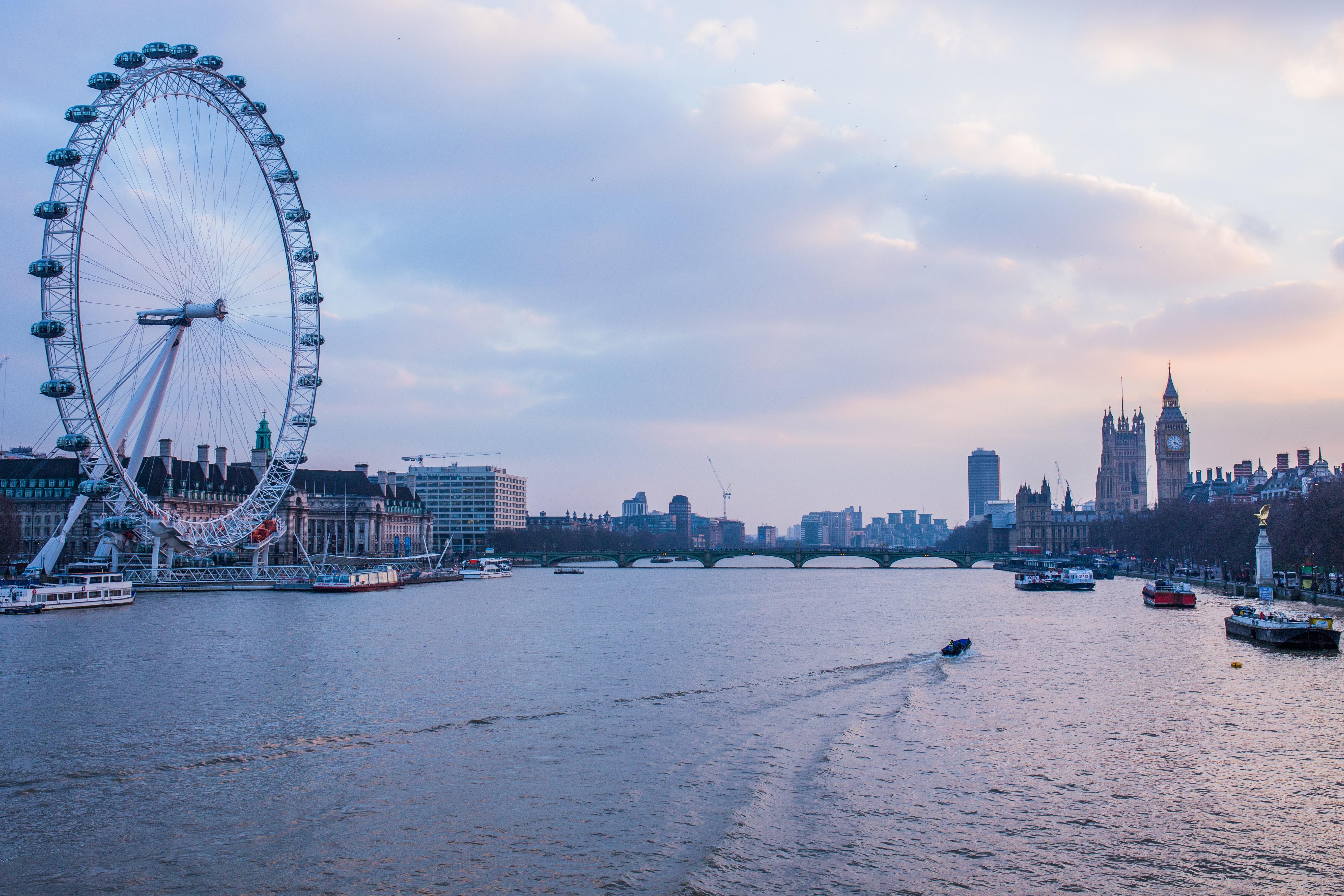 sunset-river-london-thames-34632.jpg