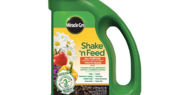 Miracle Grow Shake & Feed- 2.04KG