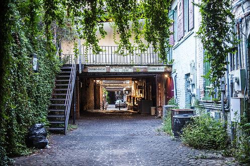 Alleyway in Savannah
