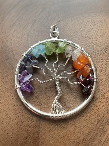 Pendentif arbre de vie 7 chackras