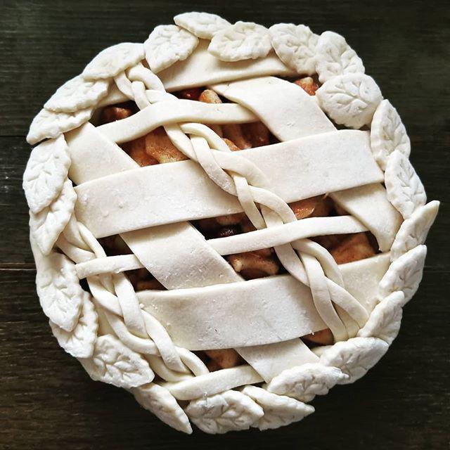 Cranberry-Apple 🍎🍏 #pie #pies #piecrus