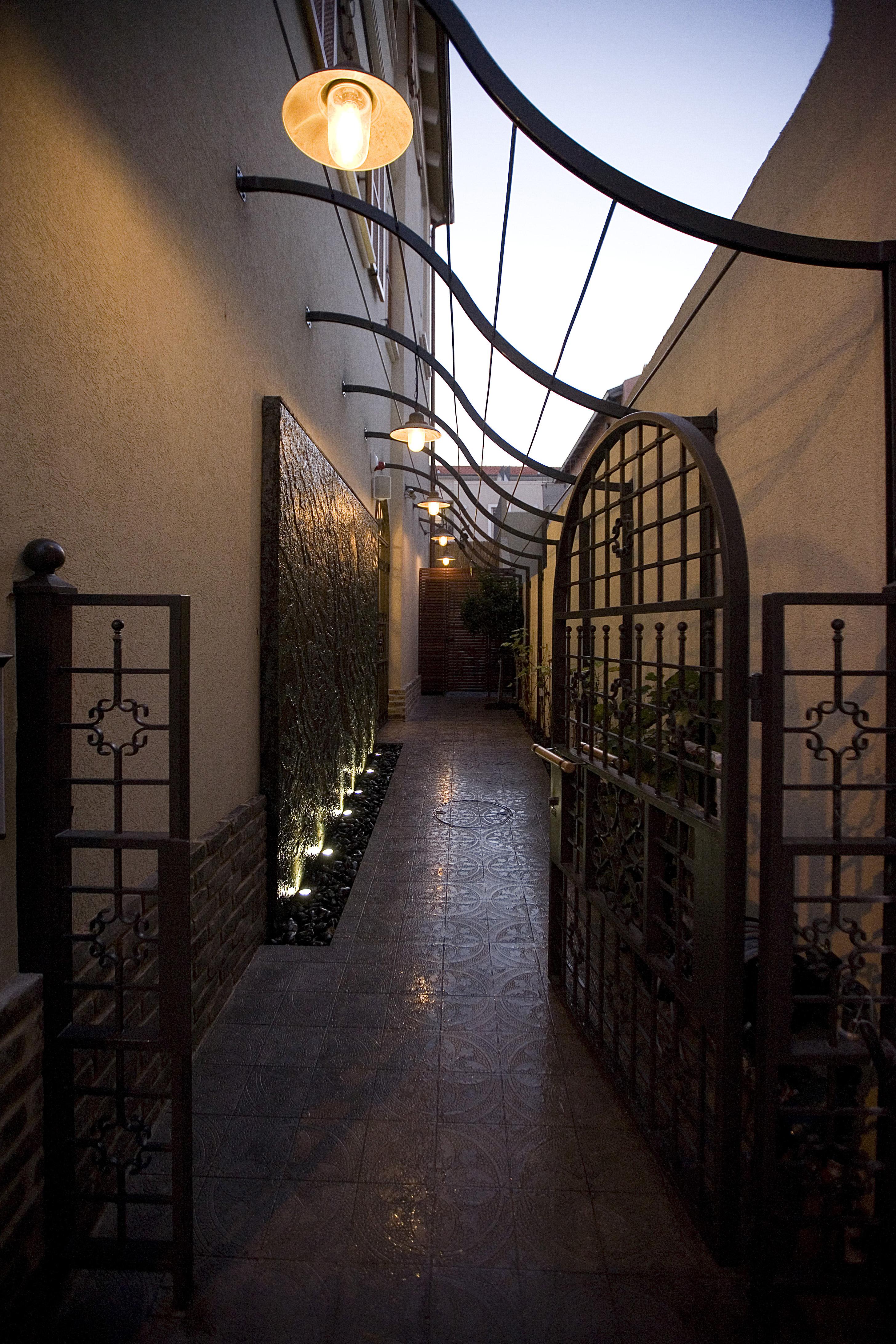 Entrance to Boutique Neve Tzedek