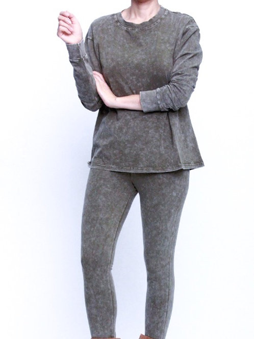 Mineral wash long sleeve top and leggings set
