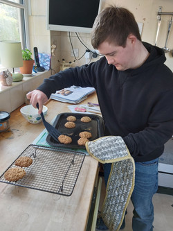Tom Baking