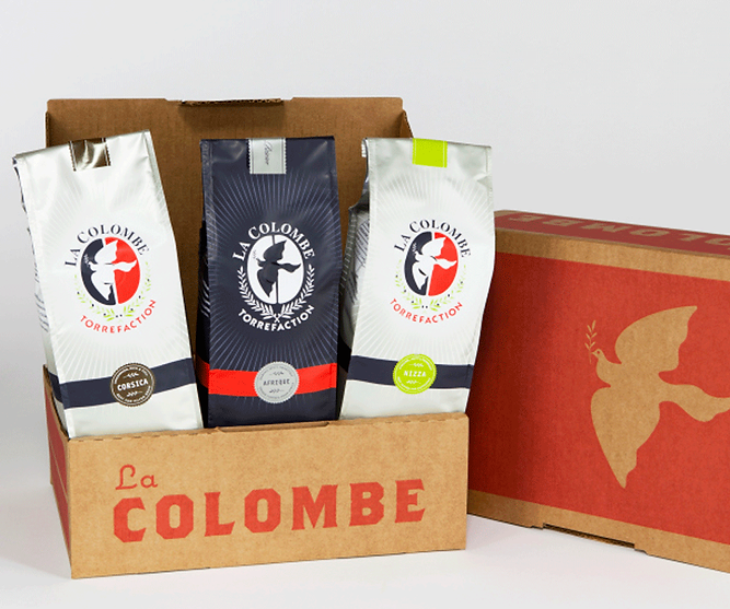 La Colombe custom printed E-Commerce shipper by Commonwealth packaging Co.