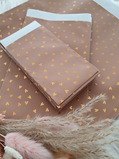 Geschenketütschen mit Goldfolienherzen