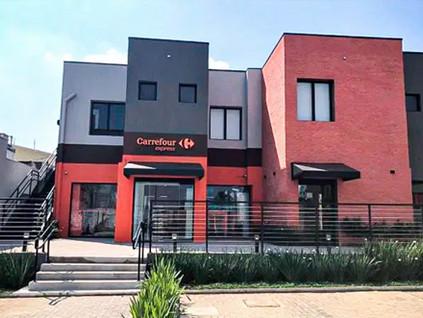 Carrefour inaugura dentro de coworking loja sem funcionários
