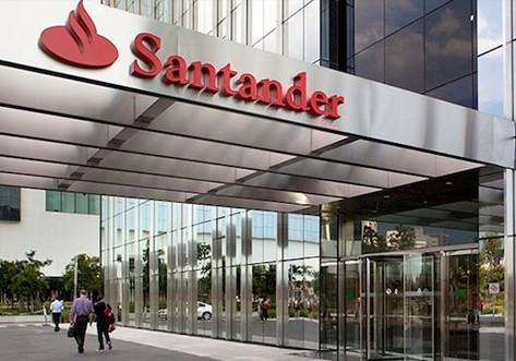 Santander planeja que funcionários atuem 70% do período nos escritórios, diz Ana Botín