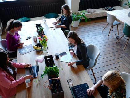 Coworkings se adaptam ao trabalho híbrido e recuperam mercado