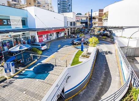 Shoppings estão mais vazios, mas centros comerciais de rua crescem no País