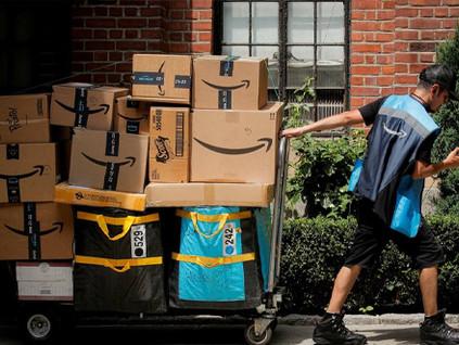 Nos EUA, consumidores fazem mais compras na Amazon do que no Walmart