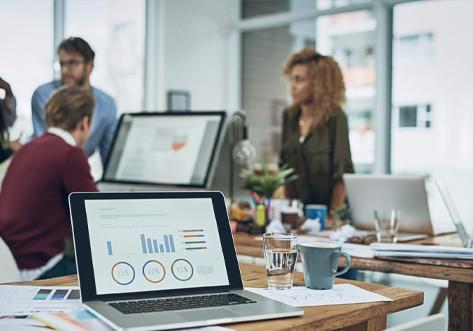 Metade das empresas só vai voltar aos escritórios em 2022, aponta pesquisa da KPMG