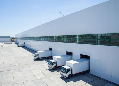 Brasil ganha 135 'Maracanãs' em galpões logísticos no ano do e-commerce