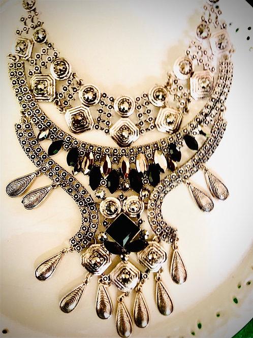 Collares hindúes pechera