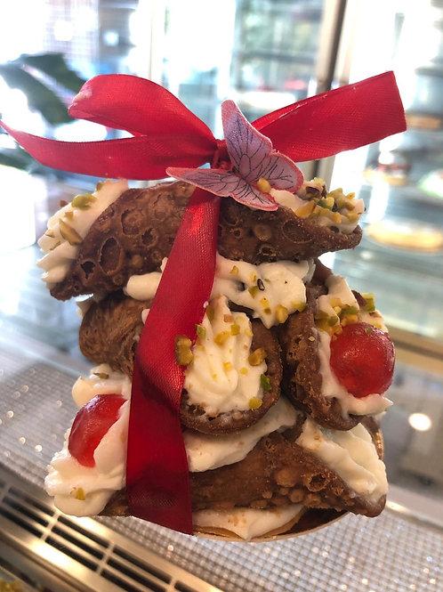 Mini torta piramide di cannoli