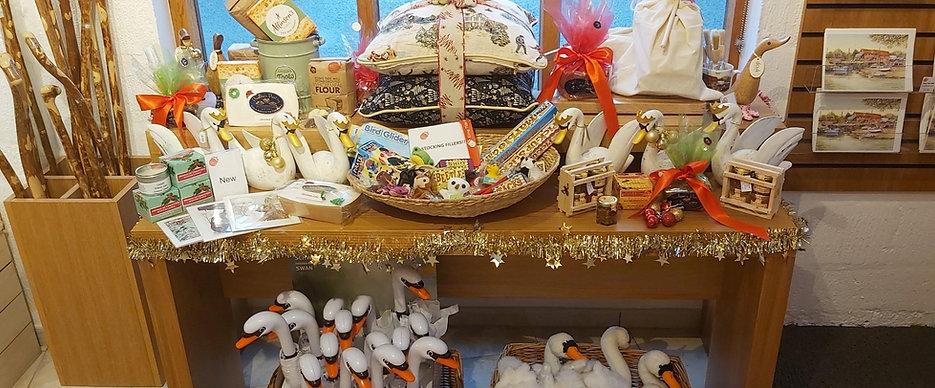xmas gift shop_edited.jpg