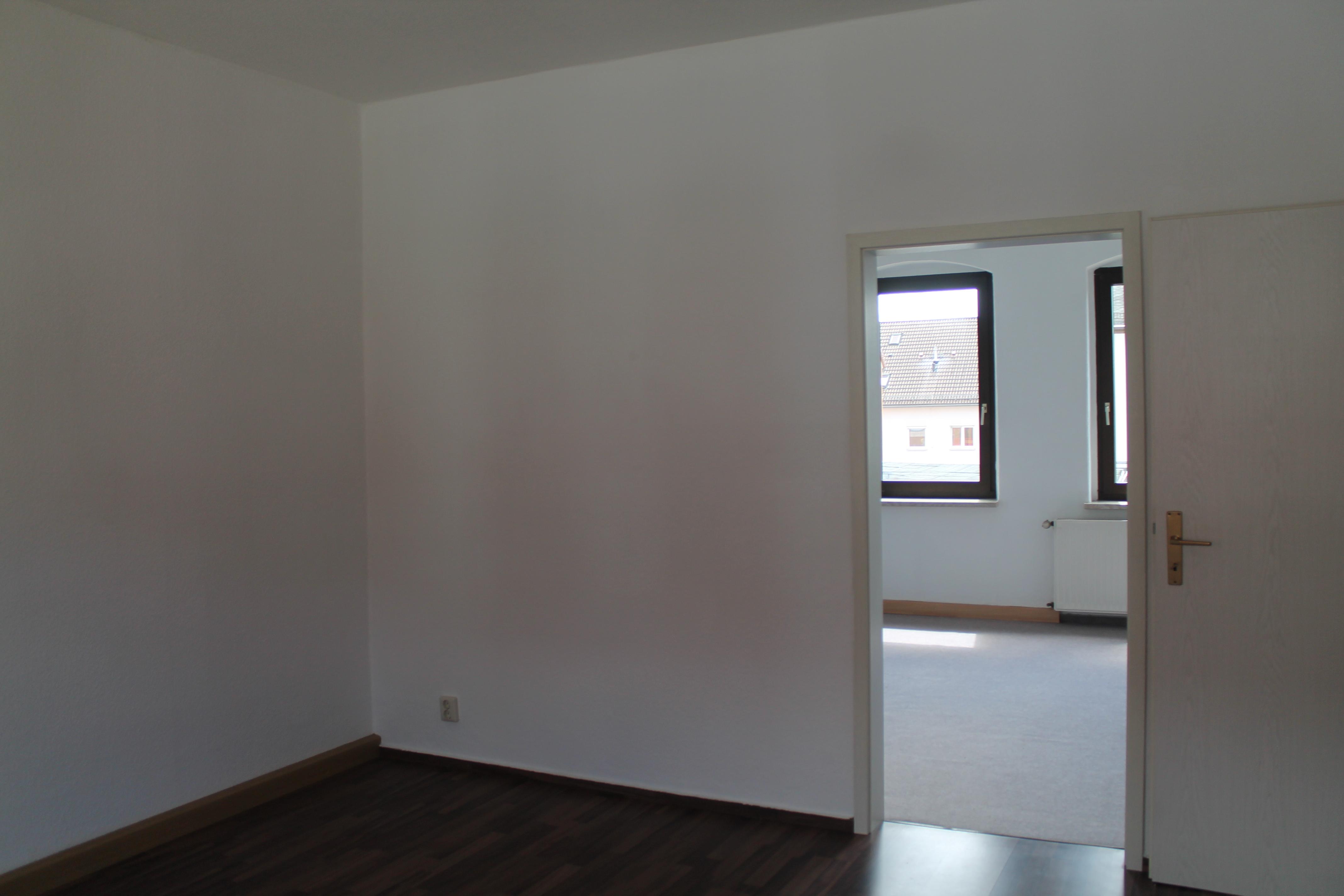 Wohnzimmer Blick ins Schlafzimmer vorher