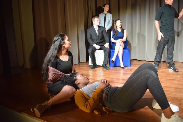 Ophelia, Hamlet, Claudius, Polonius, Gertrude, Player King