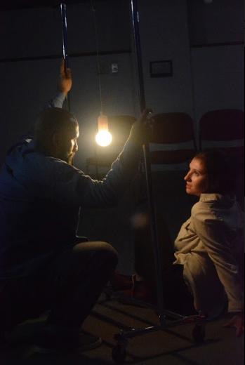 Gabriel Alejandro and Rachel Foley in Un