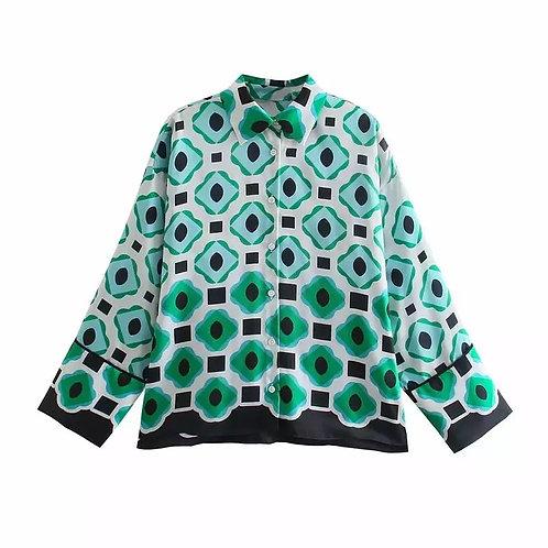 Loose fit printed blouse.