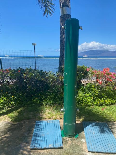 Lahaina Beach Resort