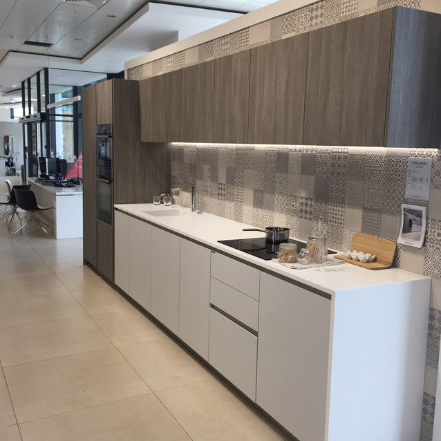 Lauzzo Porcelanosa kitchen