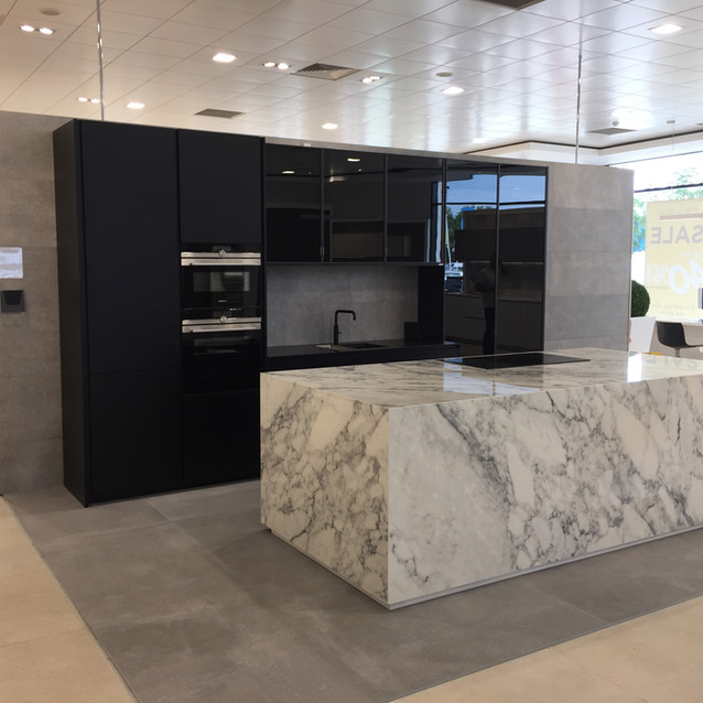 Porcelanosa Kitchen by Lauzzo