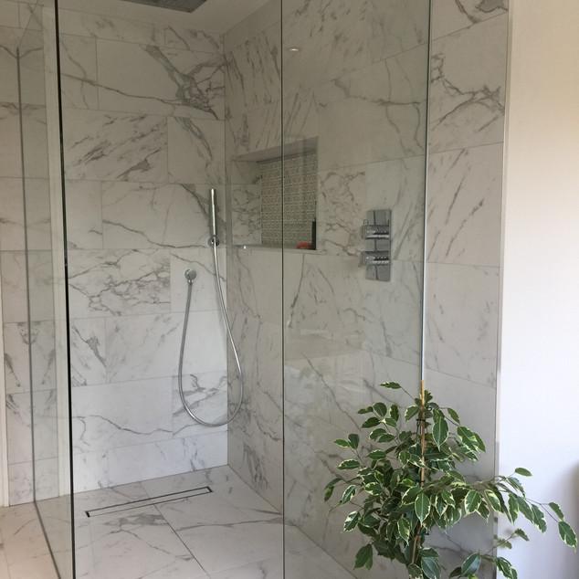 Walk in shower by Lauzzo