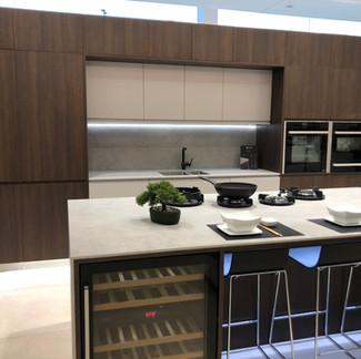 Lauzzo Porcelanosa kitchen showroom install