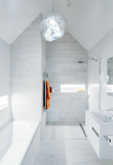 Wooden tile bathroom by Lauzzo