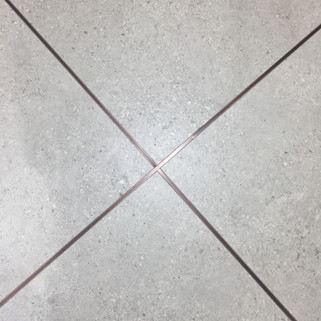 Tiling trim, no grout by Lauzzo