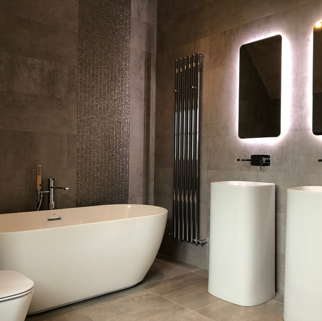 Lauzzo bathroom for two.