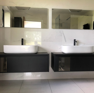 Double basin wall hung by Lauzzo