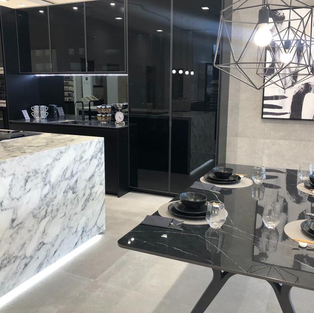 Porcelanosa Kitchen by Lauzzo