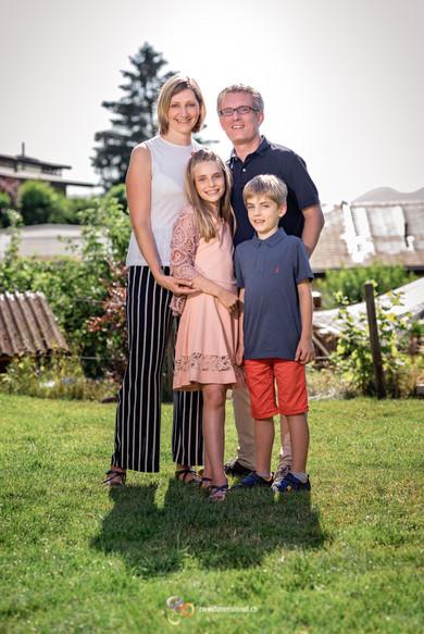 Familienfotoshooting im Garten