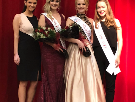Miss Chicago & Miss Heart of IL Visit at a Fellow Local