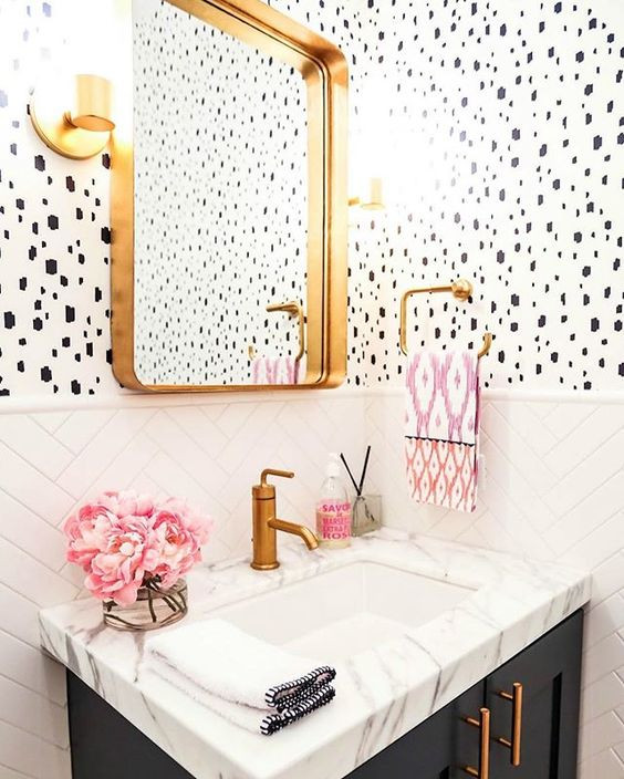 interior design bathroom mixed patterns