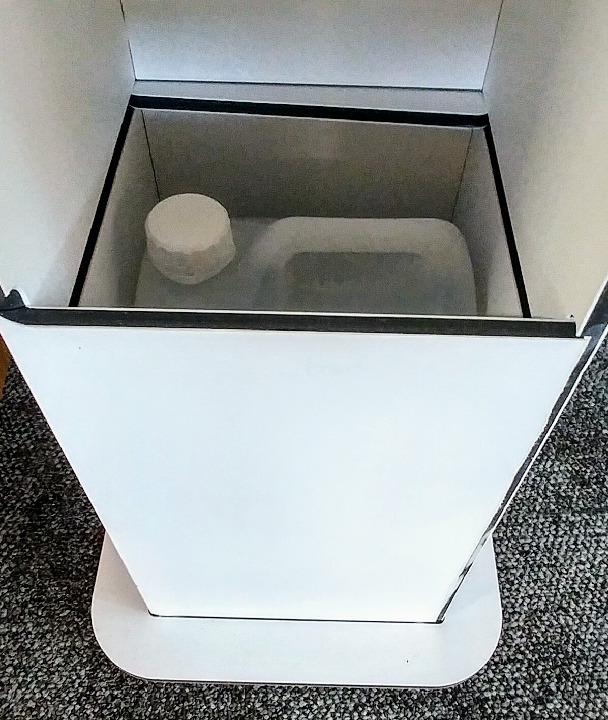 Storage for extra 5Ltr of gel