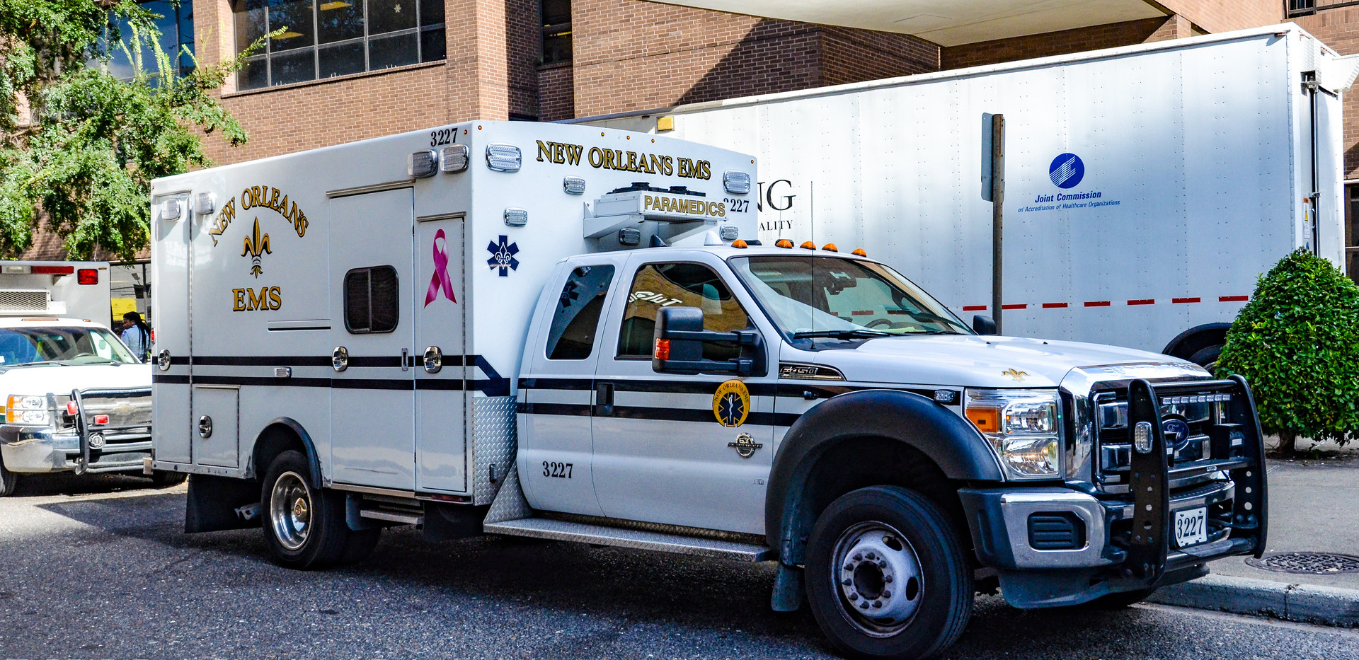 NEW ORLEANS EMS 3227