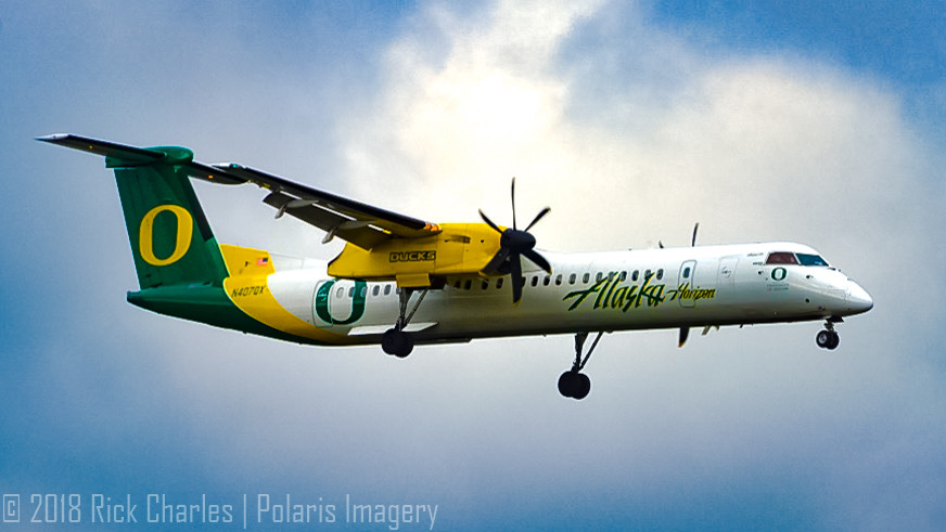 Horizon Oregon Ducks Q400