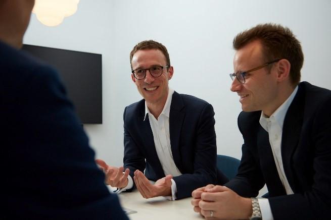 Raphael Kissling und Tobias Honold im Gespräch mit Fabian Meisser, DataVision AG Zürich
