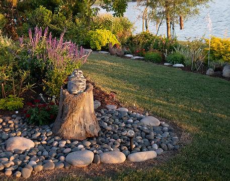 13_Rimpled Bothie Gardens.jpg