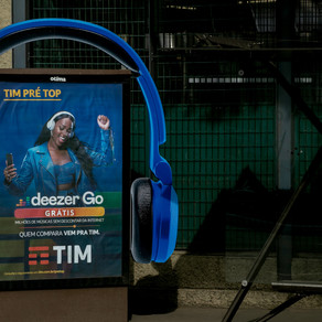 Otima espalha headphones gigantes em São Paulo para nova campanha da TIM com a Deezer GO