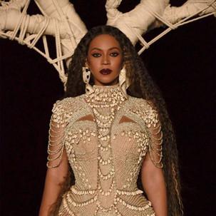 Alexandrine: Beyoncé veste Brasil