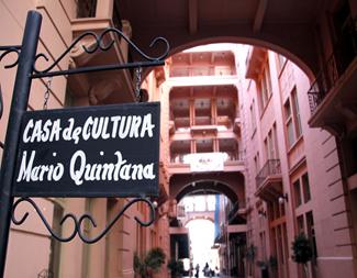 Casa de Cultura Mario Quintana é uma instituição multicultural ligada à Secretaria de Estado