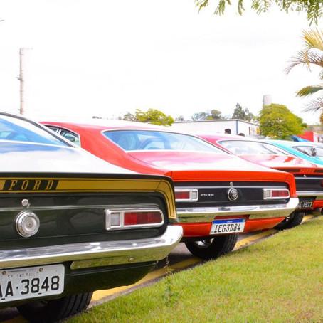 Arena Sambódromo recebe exposição de carros antigos